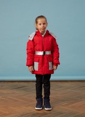 Orta Boy Kırmızı Çantalı Kız Anorak