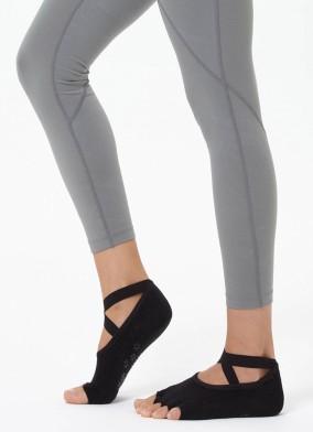 Siyah Çapraz Kayışlı Yoga & Pilates Çorabı