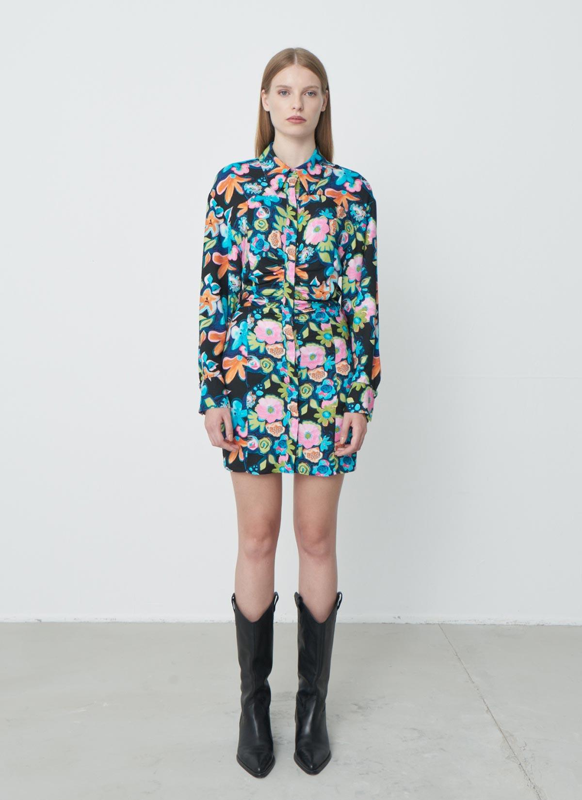 Blossom Pembe