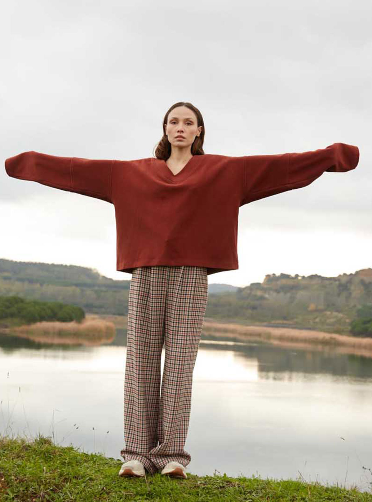 Methu V Yaka Oversize Sweatshirt