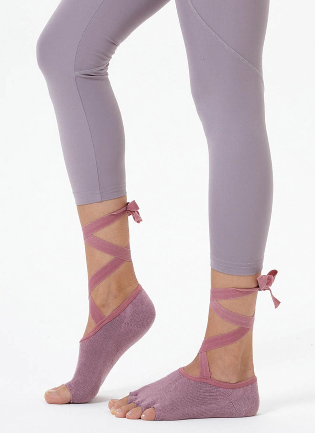Gül Kurusu Kayışlı Yoga & Pilates Çorabı